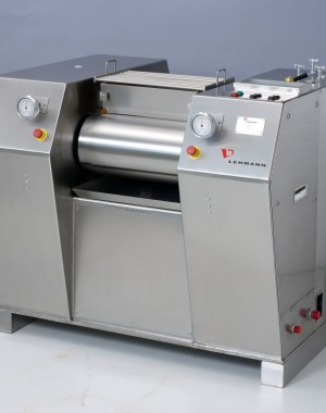 Three-Roll chocolate refiner