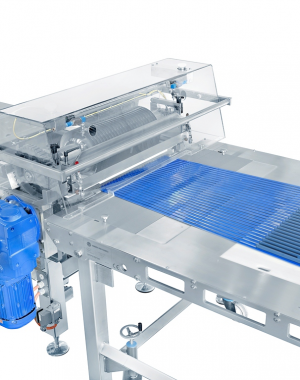 Longitudinal strand cutting machine
