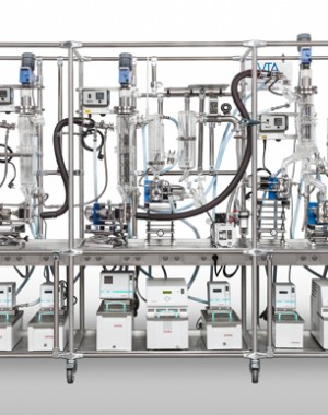 Laboratory multi-stage distiller