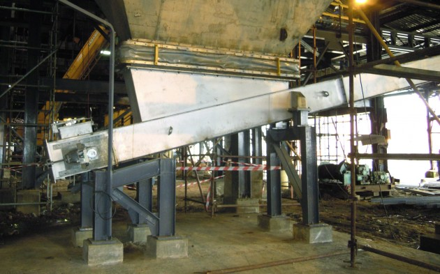 Dust and concentrate handling in smelting plants