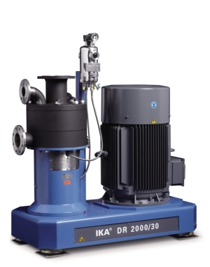 Dispersing machine for very fine emulsions and suspensions