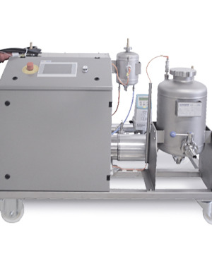 Disintegrator for high-viscosity media