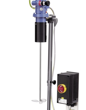 Agitator for medium viscosity media