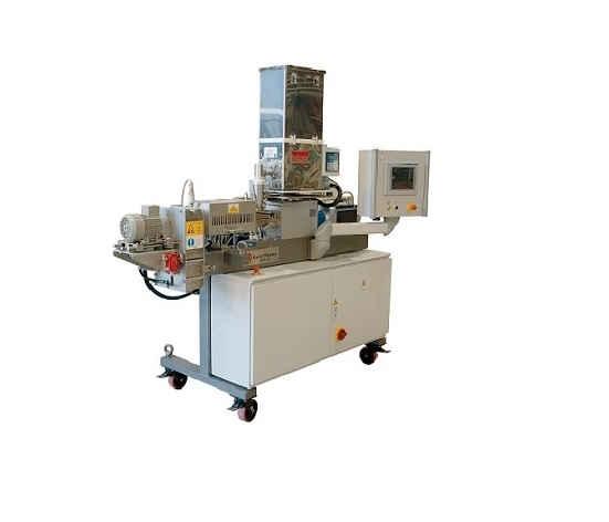 Pilot extruder for cereals and snacks