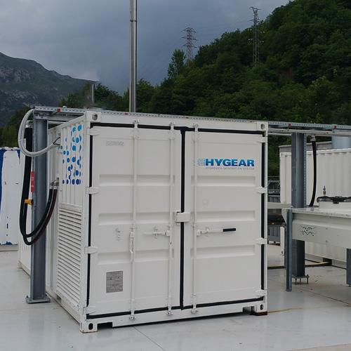 Plug & play water to hydrogen generator