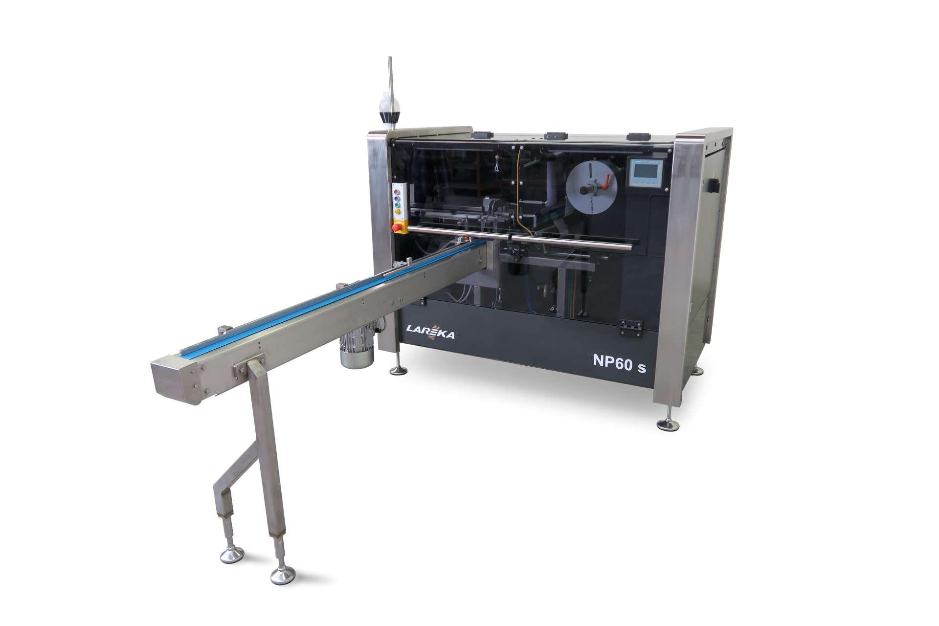 Small chocolate tablet wrapping machine