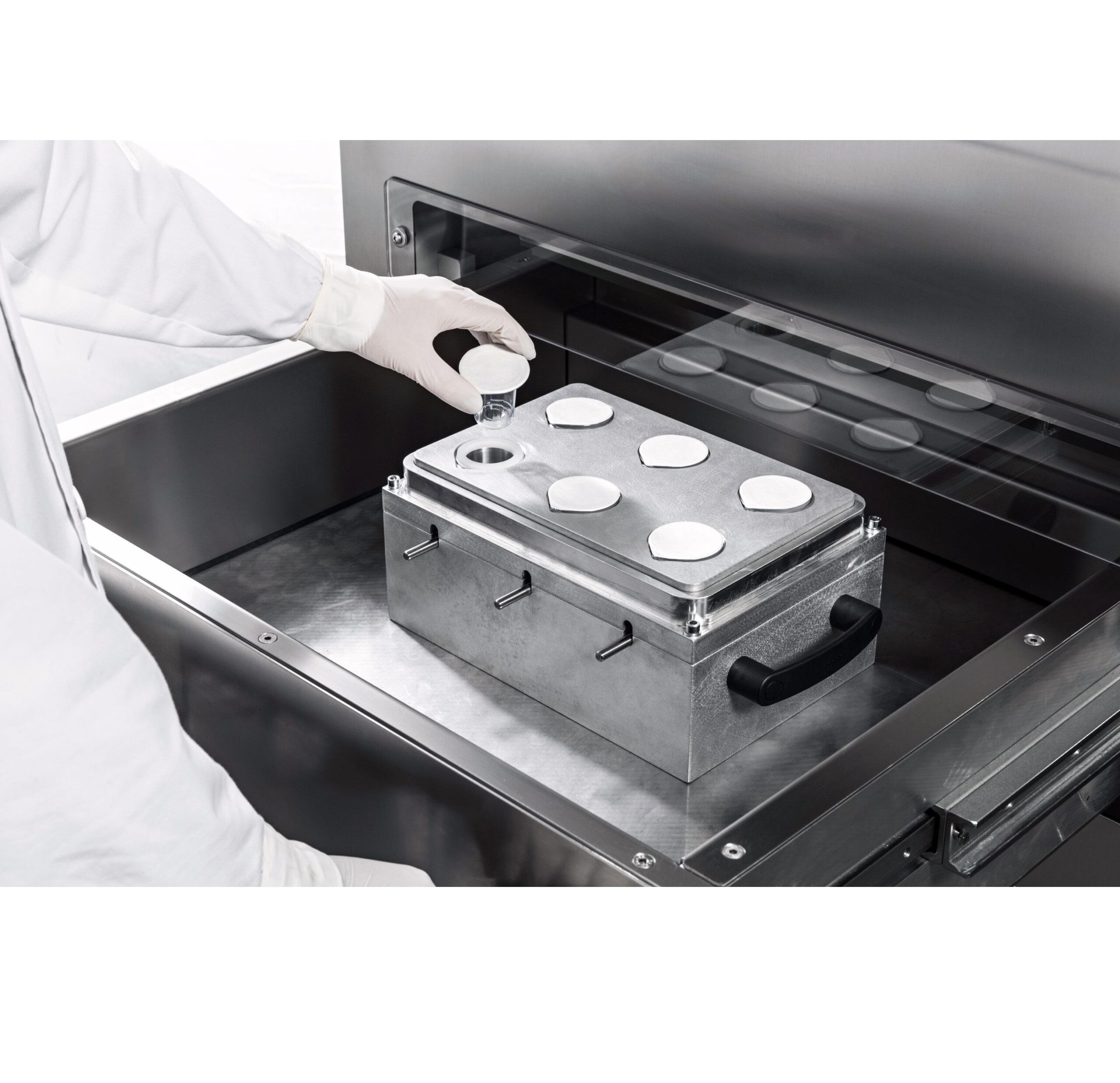 Semiautomatic blister sealing machines for medical devices