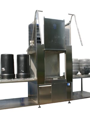 Washing cabinet for food bulk containers